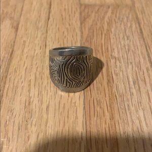 Lia sophia vintage ring size 7